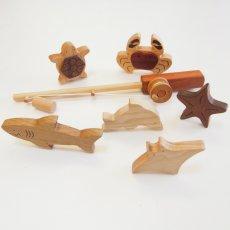 画像15: NEW 木のおもちゃ 魚釣り 魚つり遊びセット 海の仲間たち つりざお 磁石つき海の生き物 6個入り (15)