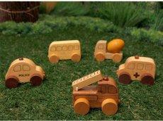 画像4: [アウトレット15%OFF]木製ミニカー[働く車シリーズ]バス、救急車、パトカー、消防車、ミキサー車 (4)