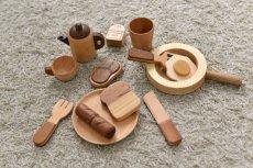 画像3: 木のおもちゃ ままごとギフト プチシェフ フライパンクッキングセット ティーポット フライパン 食材入り おままごと ままごとセット (3)