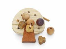 画像10: 知育玩具 3歳 おもちゃ ビーズ ひも通し遊び 木のおもちゃ 女の子 男の子 知育おもちゃ 指先 木製 パズル 知能 教材 インテリア 教育 保育園 幼稚園 託児室 キッズルーム (10)