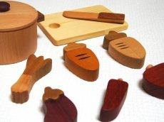 画像4: 木のおもちゃ ままごと 食材 鍋 ことことお料理セット 木製おもちゃ おままごとセット 両手鍋 食材 食器 木 ままごと 料理 クッキング 2才 3才 (4)