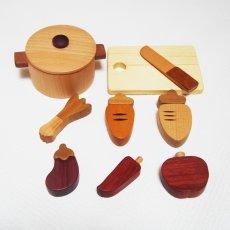 画像3: 木のおもちゃ ままごと 食材 鍋 ことことお料理セット 木製おもちゃ おままごとセット 両手鍋 食材 食器 木 ままごと 料理 クッキング 2才 3才 (3)