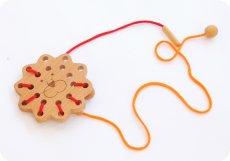 画像4: 知育玩具 紐通し ライオン 知育おもちゃ 3歳 4歳 ひも通し おもちゃ (4)