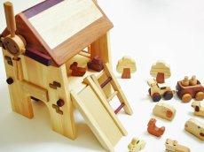 画像3: アウトレット25%OFF 木のおもちゃ 知育玩具 1歳 2歳 3歳 ドールハウス 動物人形と風車小屋セット 名前入 組立式 おうちごっこ おもちゃ ドール 滑り台 ブランコ はしご 馬車 木製ドライバー (3)