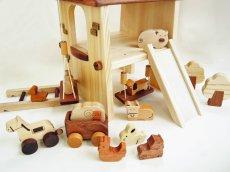 画像5: アウトレット25%OFF 木のおもちゃ 知育玩具 1歳 2歳 3歳 ドールハウス 動物人形と風車小屋セット 名前入 組立式 おうちごっこ おもちゃ ドール 滑り台 ブランコ はしご 馬車 木製ドライバー (5)