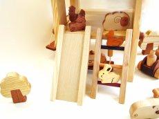 画像8: アウトレット25%OFF 木のおもちゃ 知育玩具 1歳 2歳 3歳 ドールハウス 動物人形と風車小屋セット 名前入 組立式 おうちごっこ おもちゃ ドール 滑り台 ブランコ はしご 馬車 木製ドライバー (8)