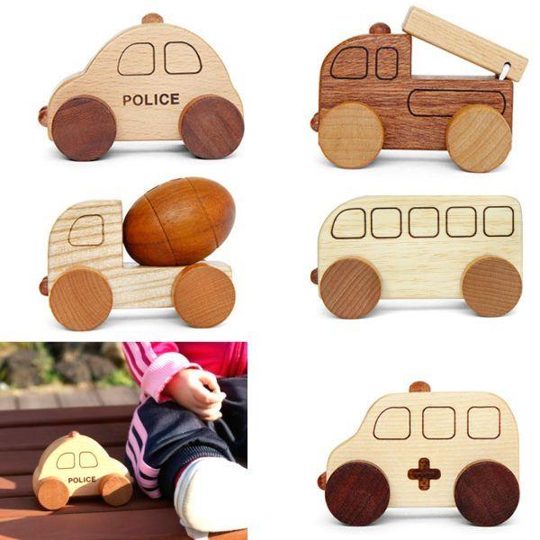 画像1: 木のおもちゃ 車 赤ちゃん おもちゃ ミニカー 5個セット 働く車シリーズ  パトカー 消防車 救急車 ミキサー車 バス 1歳 1.5歳 2歳 3歳 赤ちゃんおもちゃ のりものおもちゃ 知育玩具 手押しくるま 車おもちゃ 名入れつき (1)