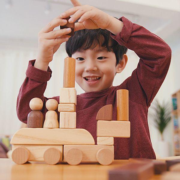 画像1: 木製マグネットブロック15ピース ロボットも乗り物も変幻自在【木のおもちゃ 知育 組立 ブロック 磁石 マグネット くるま 知能 ブロック 3歳 4歳 5歳 6歳 スプソリ】 (1)