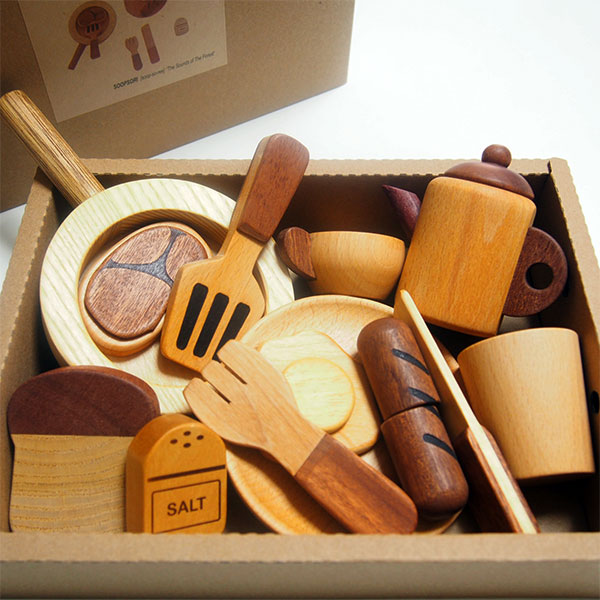 画像1: 木のおもちゃ ままごとギフト プチシェフ フライパンクッキングセット ティーポット フライパン 食材入り おままごと ままごとセット (1)